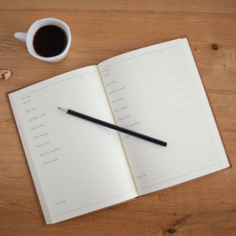 agenda com horários de trabalhos a serem organizados